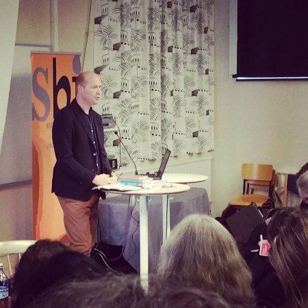 Erik Titusson förläggare Lilla Piratförlaget: Litteratur ska vara en konstupplevelse, ge en förhöjd livskänsla.